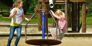 children-playing-334531_960_720.jpg